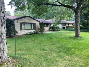 Property for sale at 8244 Metropolitan Boulevard, Olmsted Falls,  Ohio 44138