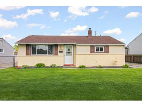 Property for sale at 6489 Ledgebrook Drive, Brook Park,  Ohio 44142