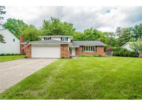 Property for sale at 5110 Hickory Drive, Lyndhurst,  Ohio 44124