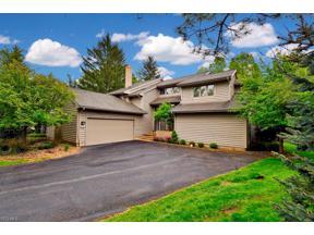 Property for sale at 3 Strawbridge Court, Beachwood,  Ohio 44122