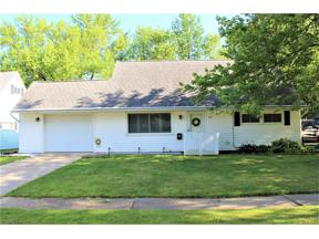 Property for sale at 277 Wyleswood Drive, Berea,  Ohio 44017