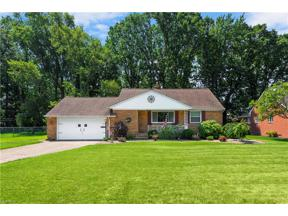 Property for sale at 25159 Sunset Oval, North Olmsted,  Ohio 44070