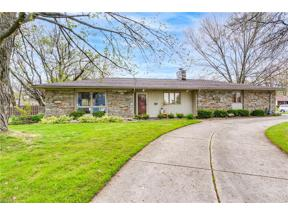 Property for sale at 622 Wyleswood Drive, Berea,  Ohio 44017