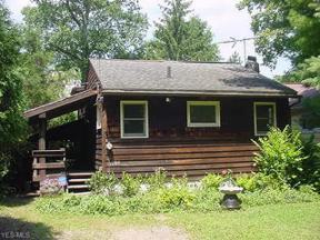 Property for sale at 15484 Lakeshore Drive, Burton,  Ohio 44021