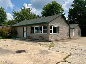 Property for sale at 4014 Center Road, Brunswick,  Ohio 44212