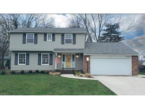 Property for sale at 5252 Hickory Drive, Lyndhurst,  Ohio 44124