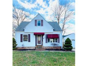 Property for sale at 1596 Winchester Road, Lyndhurst,  Ohio 44124