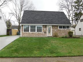 Property for sale at 1842 Windsor Street, Cuyahoga Falls,  Ohio 44221
