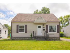 Property for sale at 965 Warwick Drive, Sheffield Lake,  Ohio 44054