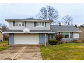 Property for sale at 1905 Camberly Drive, Lyndhurst,  Ohio 44124
