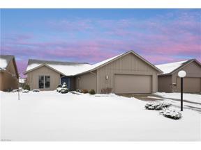 Property for sale at 9028 Hummingbird Lane, North Ridgeville,  Ohio 44039