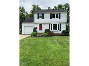Property for sale at 5136 Edenhurst Road, Lyndhurst,  Ohio 44124