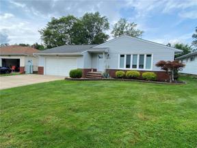 Property for sale at 4819 N Sedgewick Road, Lyndhurst,  Ohio 44124