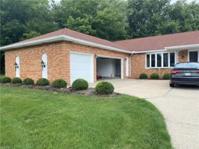 Property for sale at 4301 Gene Drive, Seven Hills,  Ohio 44131