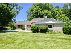 Property for sale at 4653 Rollingview Drive, Seven Hills,  Ohio 44131