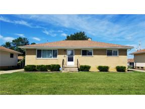 Property for sale at 253 E Clearview Avenue, Seven Hills,  Ohio 44131
