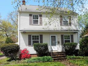 Property for sale at 1408 Gordon Road, Lyndhurst,  Ohio 44124