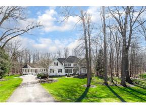 Property for sale at 300 Grey Fox Run, Bentleyville,  Ohio 44022