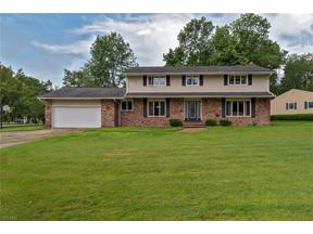 Property for sale at 476 Hickory Hill Drive, Mayfield Village,  Ohio 44143