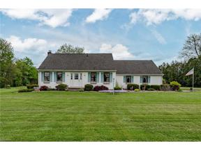 Property for sale at 18183 Indian Hollow Road, Grafton,  Ohio 44044