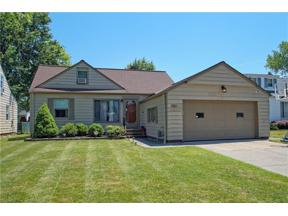 Property for sale at 1653 Gilbert Drive, Mayfield Heights,  Ohio 44124