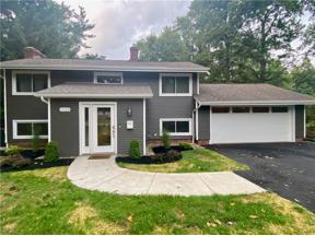 Property for sale at 5923 Ridgebury Boulevard, Highland Heights,  Ohio 44124
