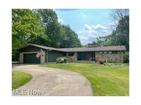 Property for sale at 7221 Hyde Park Drive, Middleburg Heights,  Ohio 44130