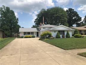 Property for sale at 15876 Galemore Drive, Middleburg Heights,  Ohio 44130