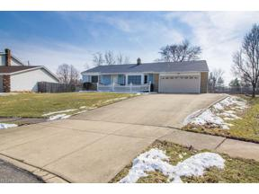 Property for sale at 4098 Rollingview Drive, Seven Hills,  Ohio 44131