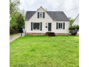 Property for sale at 10969 Woodview Boulevard, Parma Heights,  Ohio 44130