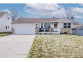 Property for sale at 4924 Ridgebury Boulevard, Lyndhurst,  Ohio 44124