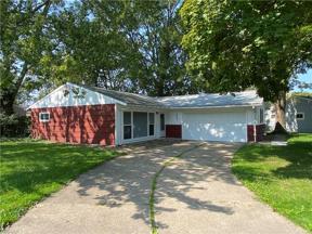 Property for sale at 243 Rowan Drive, Berea,  Ohio 44017