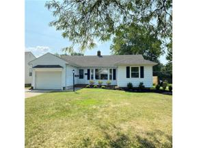 Property for sale at 5166 Longton Road, Lyndhurst,  Ohio 44124