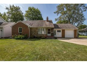 Property for sale at 29 Jacqueline Drive, Berea,  Ohio 44017