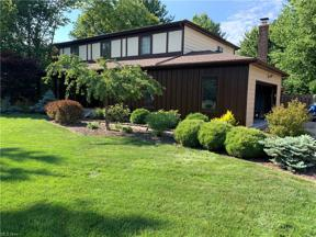 Property for sale at 27130 Newton Circle, North Olmsted,  Ohio 44070