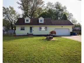 Property for sale at 631 Idlewood Avenue, Sheffield Lake,  Ohio 44054