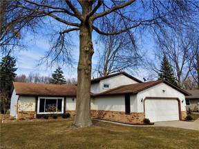 Property for sale at 5345 Pin Oak Circle, Sheffield Village,  Ohio 44054