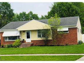 Property for sale at 6871 Maplewood Road, Parma Heights,  Ohio 44130