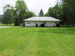 Property for sale at 471 Ridge Road, Hinckley,  Ohio 44233