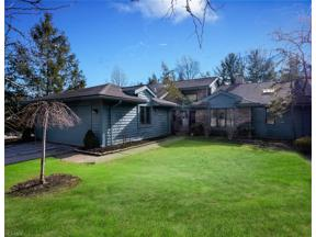 Property for sale at 7 Stratford Court, Beachwood,  Ohio 44122