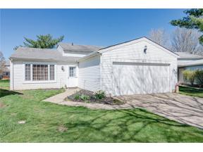 Property for sale at 8874 Summerset Lane 122, Olmsted Falls,  Ohio 44138