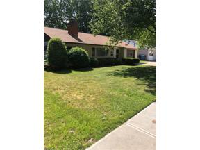 Property for sale at 431 Woodmere Drive, Berea,  Ohio 44017