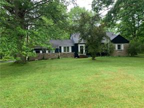 Property for sale at 145 N Strawberry Lane, Moreland Hills,  Ohio 44022