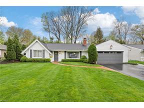 Property for sale at 136 Pembroke Road, Fairlawn,  Ohio 44333