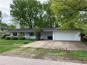 Property for sale at 601 Kenilworth Avenue, Sheffield Lake,  Ohio 44054