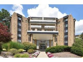 Property for sale at 2112 Acacia Park Drive 625, Lyndhurst,  Ohio 44124