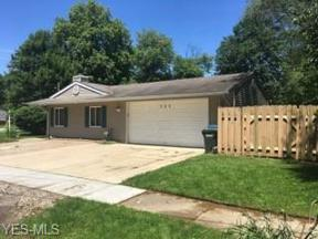 Property for sale at 565 Abbyshire Drive, Berea,  Ohio 44017