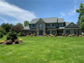 Property for sale at 2210 Country Brook Drive, Hinckley,  Ohio 44233