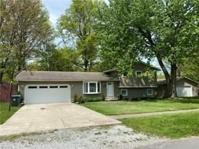 Property for sale at 458 Maple Avenue, Sheffield Lake,  Ohio 44054