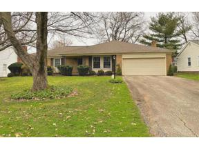 Property for sale at 5205 Meadow Wood Boulevard, Lyndhurst,  Ohio 44124